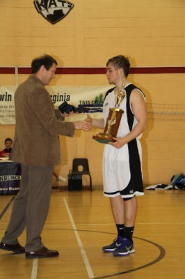 kevin_will_with_trophy_2