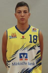Aus Lüdenscheid, 16 Jahre Alt, 1,87m groß, Pointguard des Phoenix NBBL-Teams, deutscher Jugend-Nationalspieler.